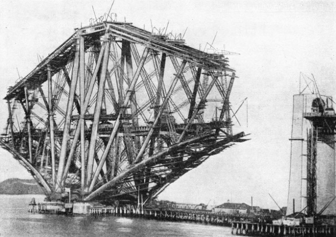 The Queensferry cantilever of the Forth Bridge