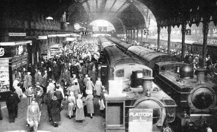 Paddington station at the peak of a busy period.