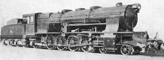 A 4-8-2 locomotive used for fast goods and heavy passenger trains on the Northern Railway of Spain