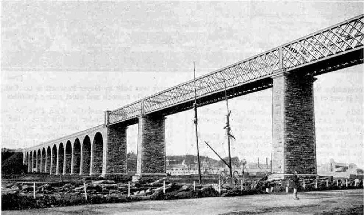 The great viaduct across the River Boyne at Drogheda