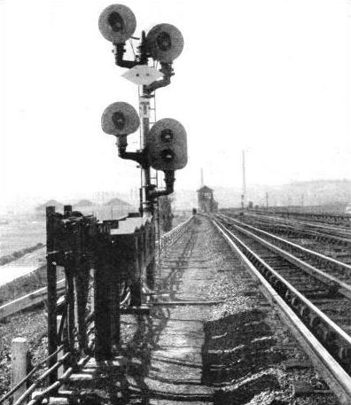 Up-to-date signalling on the electric suburban lines of the LMS