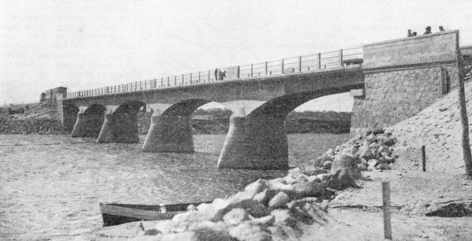 A new railway bridge over the Parnu River