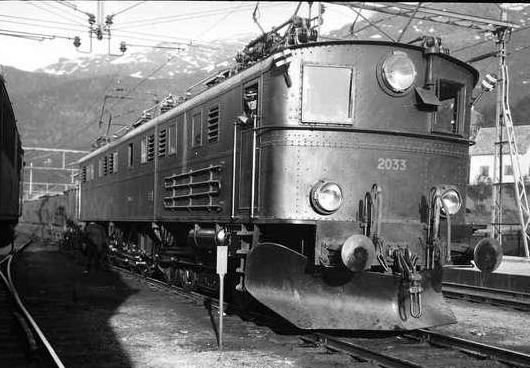 Norwegian State Railways NSB El 4 2033 at Narvik railway station, 1930