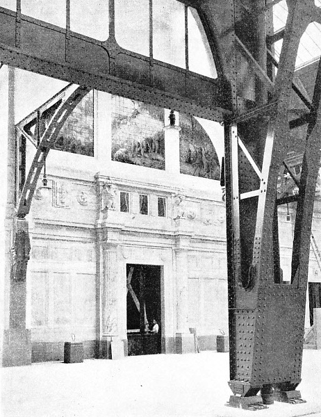 A MASSIVE STEEL SUPPORT for the central arch, Milan Central Station