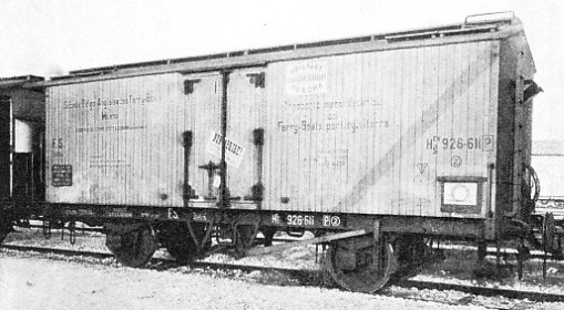 SPECIAL REFRIGERATOR TRUCKS built by the Italian State Railways