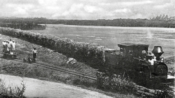 A Hudswell Clarke 0-6-0 locomotive hauling a train of sugar cane to one of the factories on Fiji