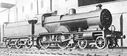 4-4-0 COMPOUND LOCOMOTIVE built at the London, Midland and Scottish Railway's works at Derby in 1925