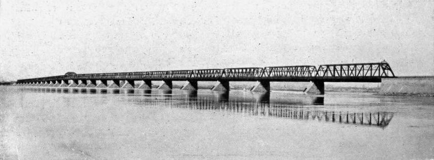 THE VICTORIA JUBILEE BRIDGE, MONTREAL, SHOWING THE NEW SUPERSTRUCTURE