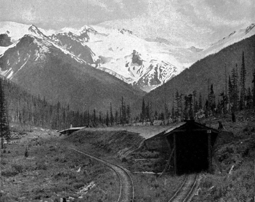 THE SUMMER AND WINTER LINES OK THE CANADIAN PACIFIC RAILWAY THROUGH THE SELKIRKS