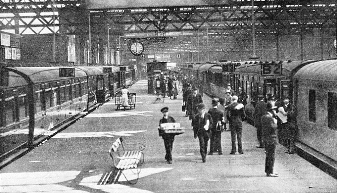 "The ""Ulster Express"" at Euston"