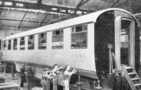 "Special coaches built for the ""Silver Jubilee"""