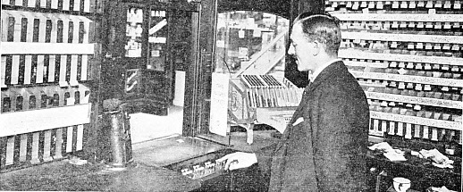 AUTOMATIC TICKET AND CHANGE MACHINES AT WESTMINSTER