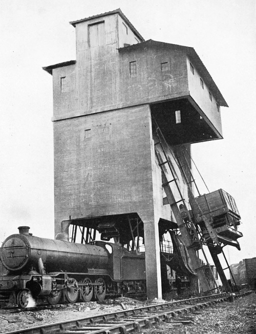 Automatic coaling stage at Hornsey Station