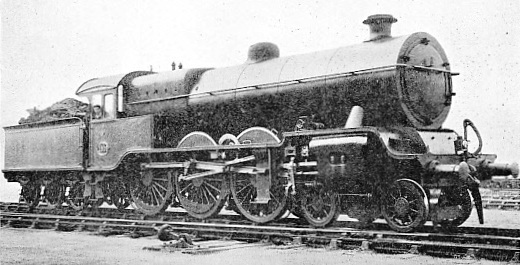 LMS FOUR-CYLINDER 4-6-0 EXPRESS ENGINE, WITH OUTSIDE VALVE-MOTION