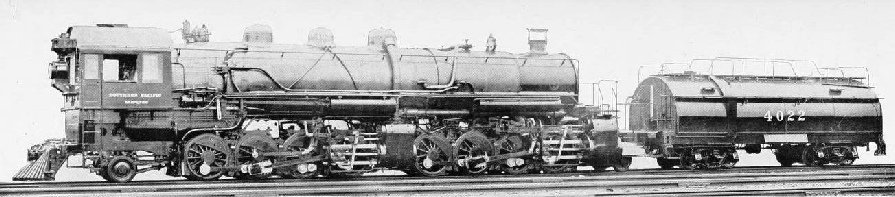 2-8-8-2 MAMMOTH OIL-BURNING MALLET ARTICULATED FREIGHT LOCOMOTIVE ON THE SOUTHERN PACIFIC RAILWAY