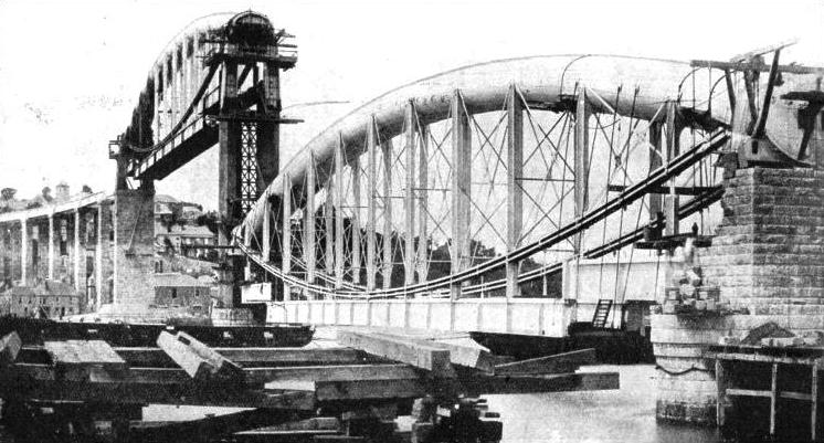 Building the Saltash Bridge