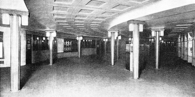 the large circular underground ticket hall at Piccadilly Station