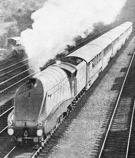 "The ""Silver Jubilee"" at speed"