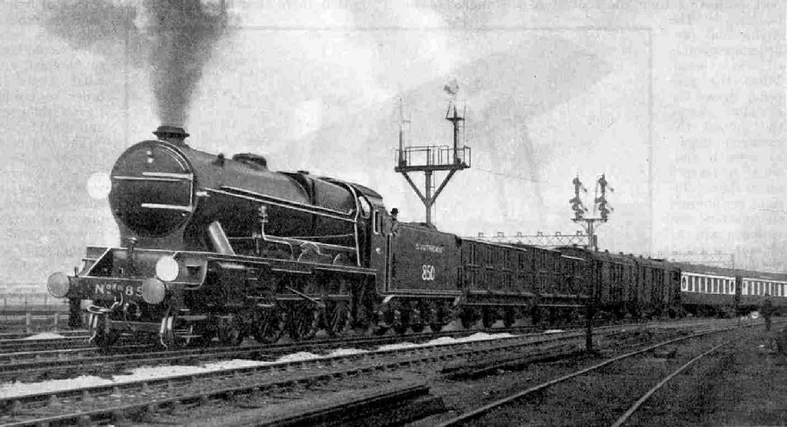 Dover Pullman Express leaving Victoria. Engine No. 850 Lord Nelson