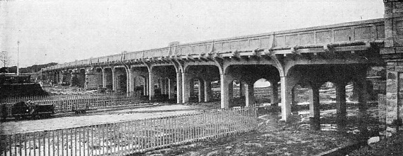 REINFORCED CONCRETE BRIDGE ON THE GREAT INDIAN PENINSULA RAILWAY AT NAGPUR