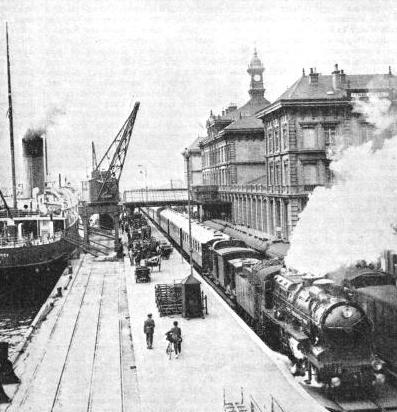 """THE GOLDEN ARROW"" PULLMAN EXPRESS about to leave Calais (Maritime)"